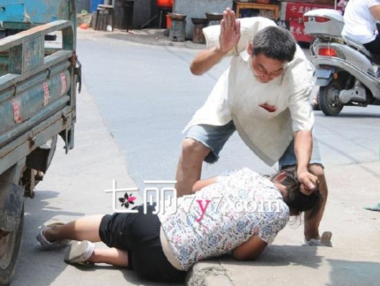 男子毒打儿子逼前妻复合 遭遇家庭暴力怎么办