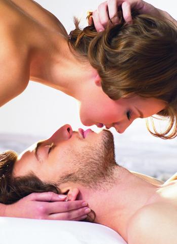 每个女人都极度渴望被吻的5个敏感部位