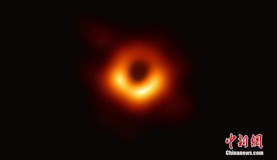 首度曝光的黑洞有了正式名字:Powehi无限创造的黑暗源泉