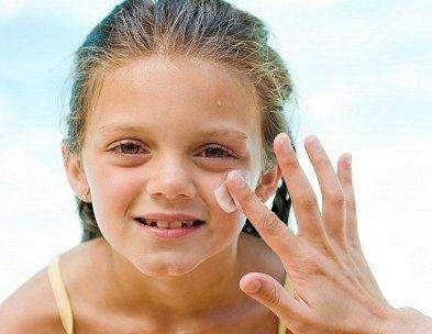 防晒霜和防晒乳使用技巧及方法