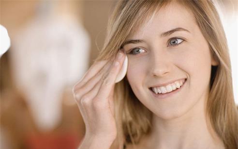 椰子油关于美容护肤方面功效的介绍