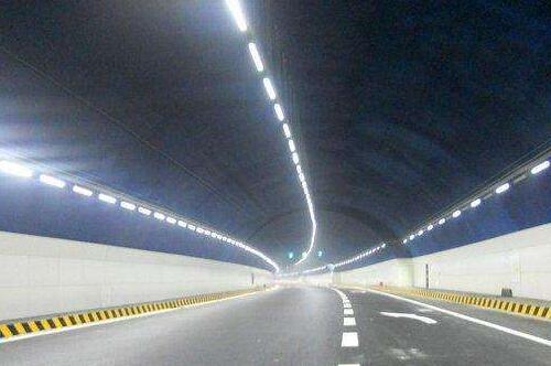 公路隧道照明设计规范,隧道灯具LED照明设置